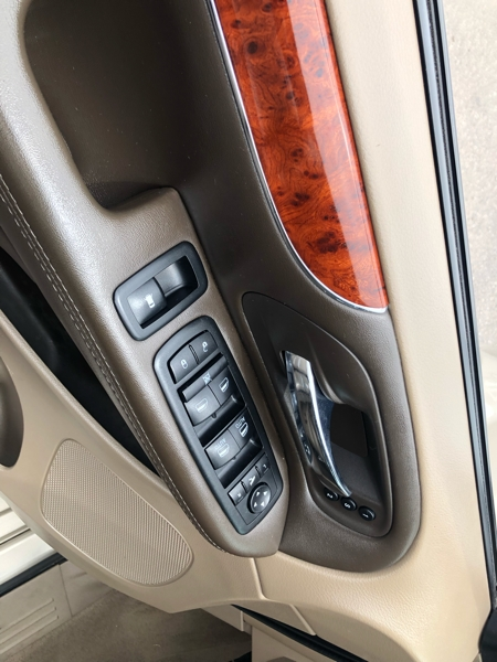 Chrysler Town & Country 2014 price $13,991