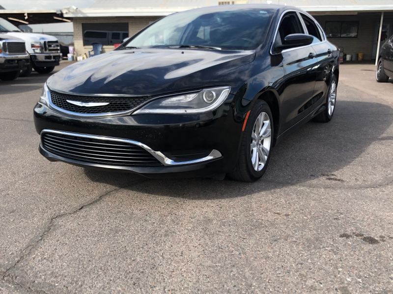 Chrysler 200 2015 price $8,391