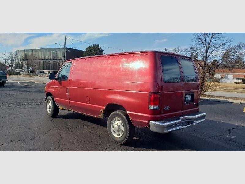 Ford Econoline Cargo Van 2000 price $1,300
