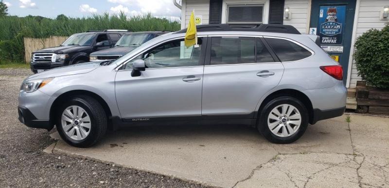Subaru Outback 2015 price $10,990