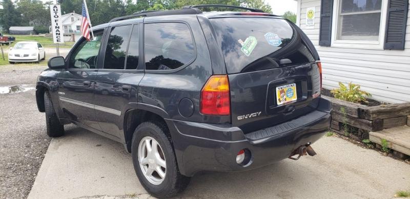 GMC Envoy 2006 price $4,990
