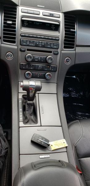 Ford Taurus 2011 price $7,990