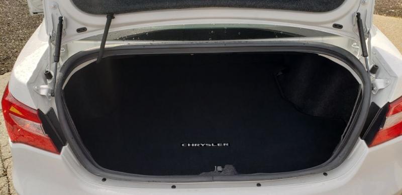 Chrysler 200 2013 price $7,990