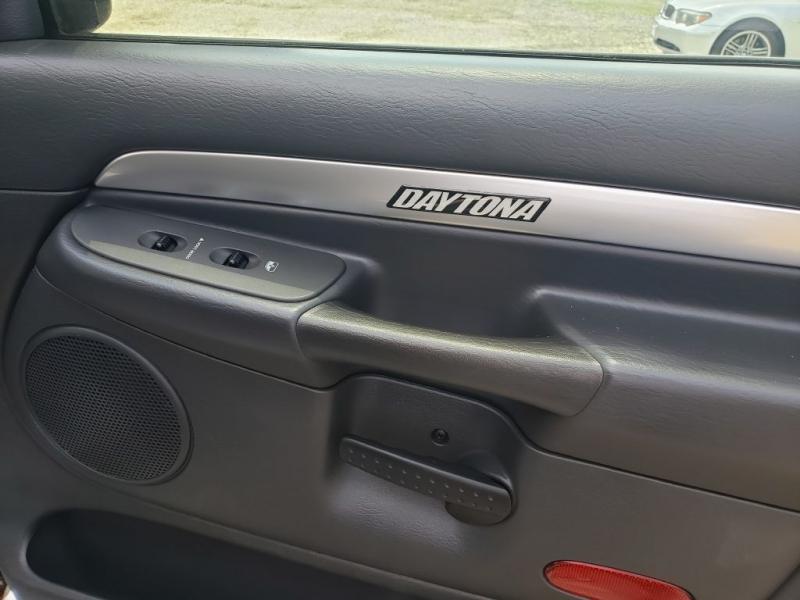 Dodge Ram 1500 2005 price $10,990