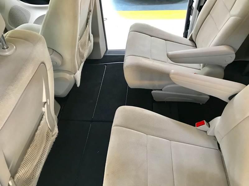 Dodge Grand Caravan 2012 price $800-$3000 Down