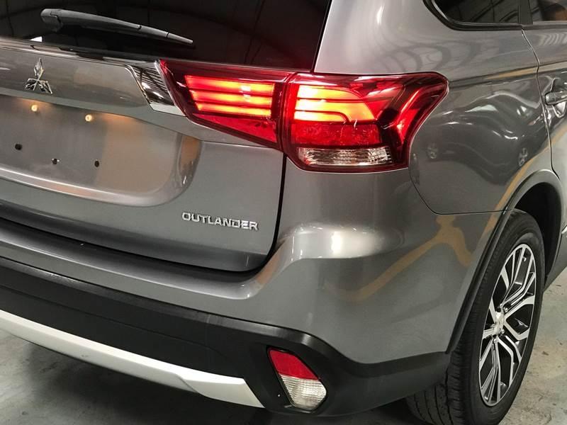 Mitsubishi Outlander 2017 price $995-$2500 Down