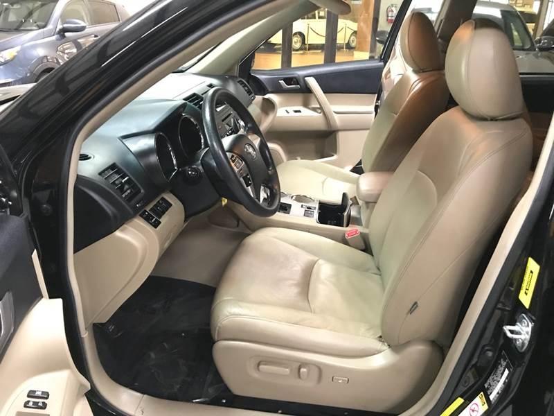 Toyota Highlander 2012 price $11,995