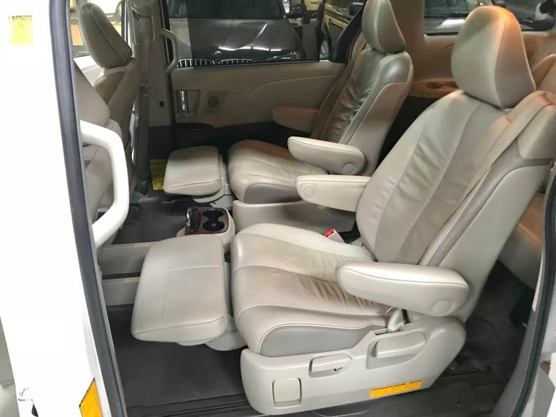 Toyota Sienna 2012 price $995-$3500 Down