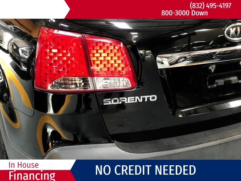 Kia Sorento 2013 price $2,000