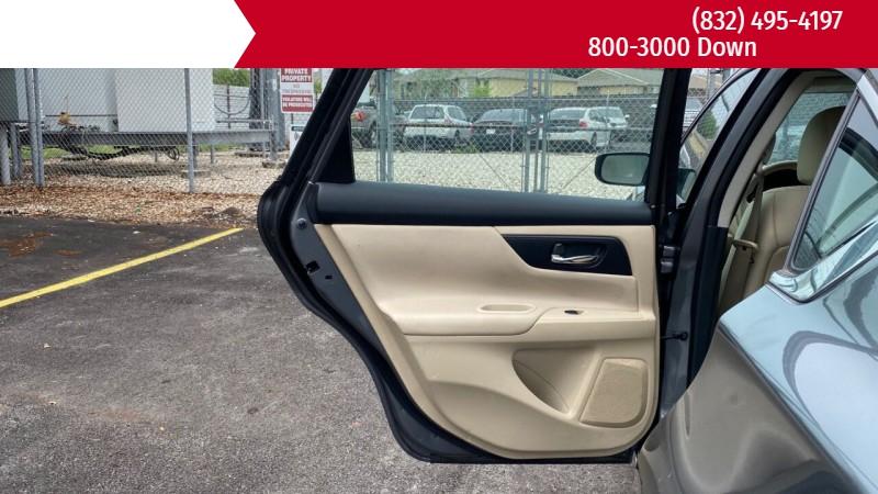 Nissan Altima 2016 price $3,500