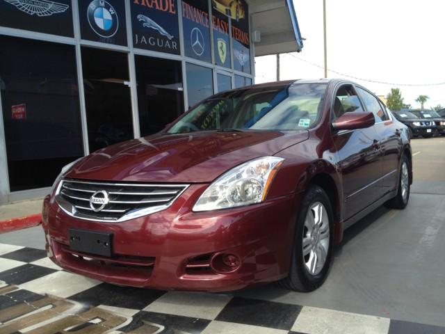 Nissan Altima 2012 price $11,900