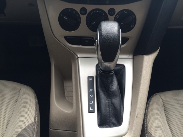 Ford Focus 2012 price $800-$3000 Down