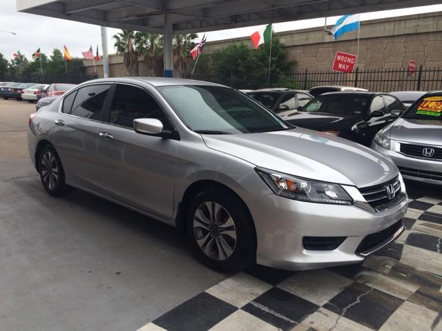 Honda Accord 2013 price $800-$3000 Down