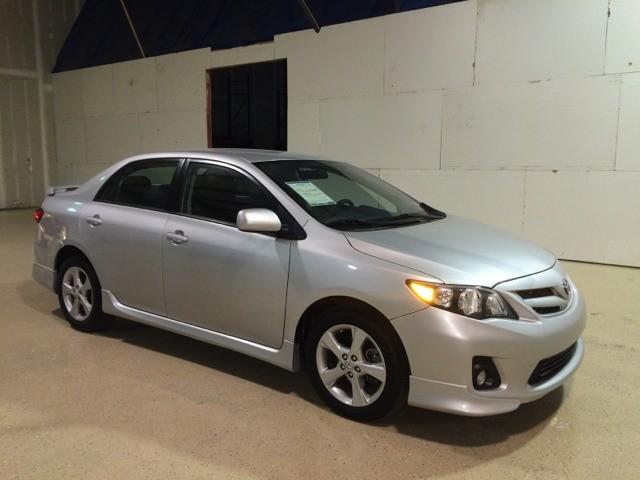 Toyota Corolla 2013 price $1500-2500 DOWN
