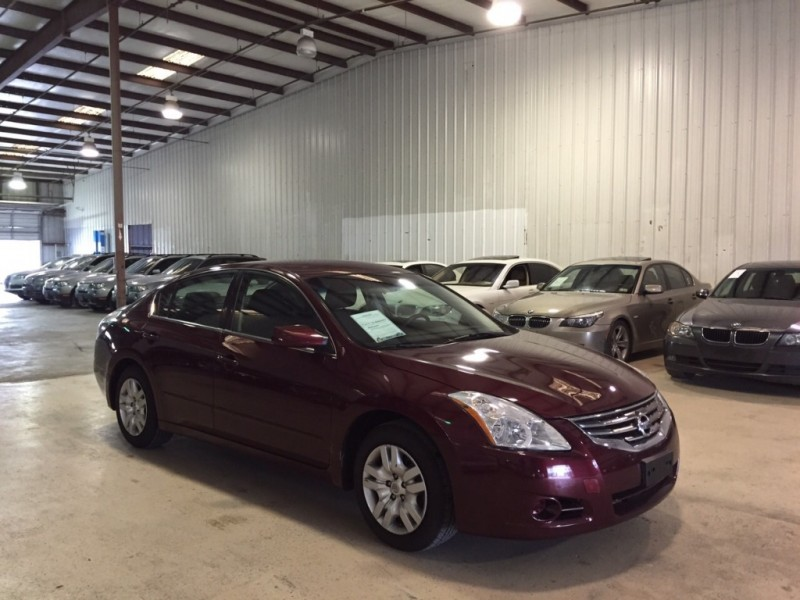 Nissan Altima 2012 price $800-$3000 DOWN
