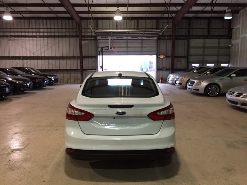Ford Focus 2012 price $800-$1500 DOWN