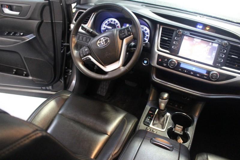 Toyota Highlander 2014 price $26,995