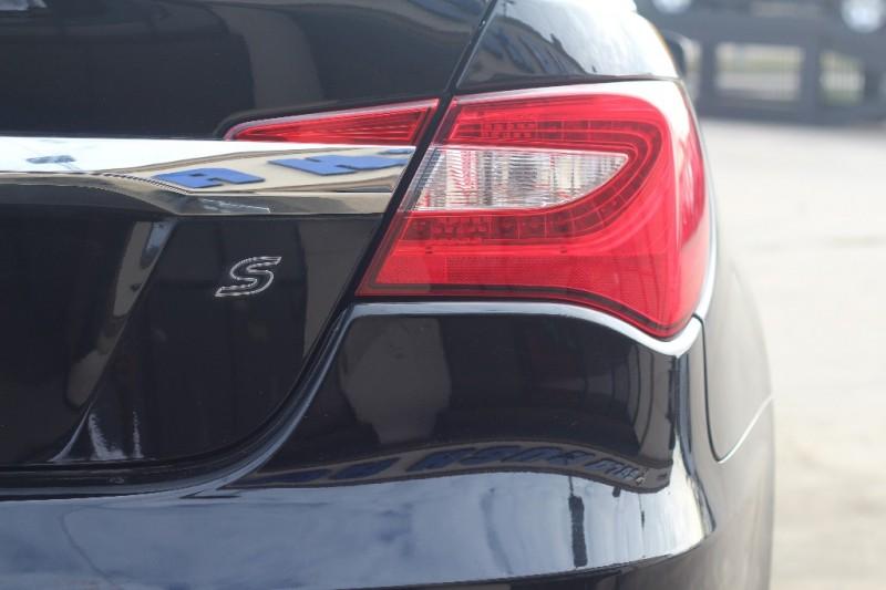 Chrysler 200 2013 price $800-$3000 Down