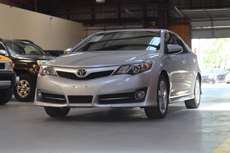 Toyota Camry 2014 price $995-$3500 Down