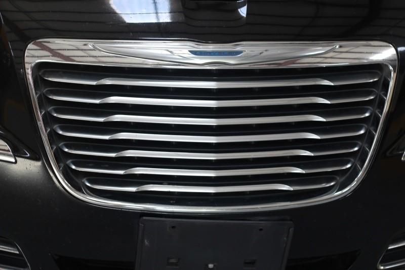Chrysler 300 2013 price $800-$3000 Down