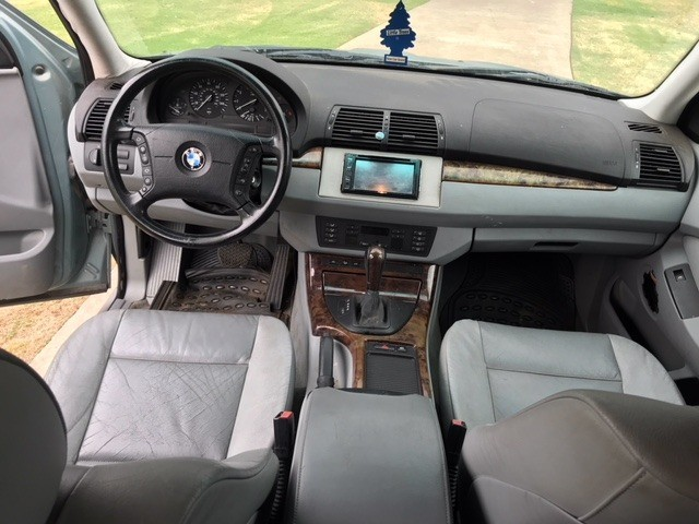 BMW X5 2002 price $1,000 Down