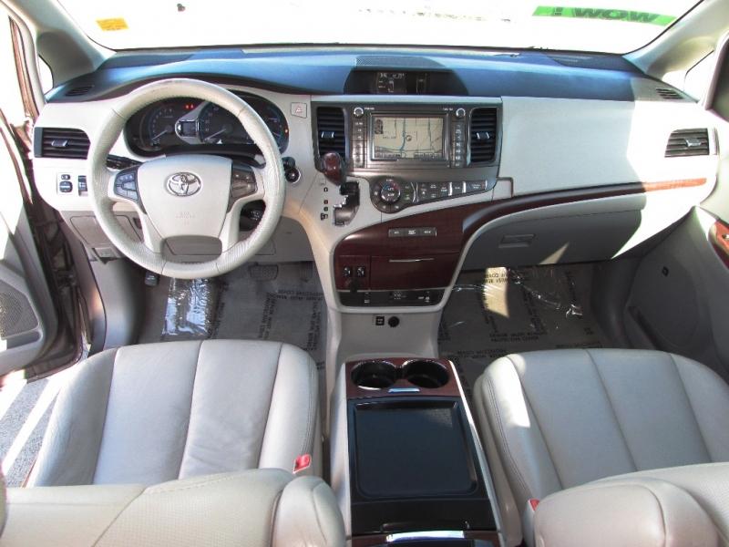 Toyota Sienna 2011 price $0