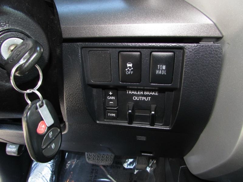 Toyota Tundra 4WD 2017 price $0
