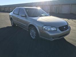 Nissan Maxima 2000
