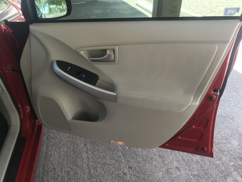 Toyota Prius 2012 price $8,500