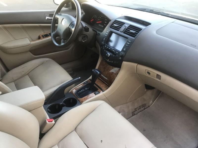 Honda Accord 2004 price $4,000