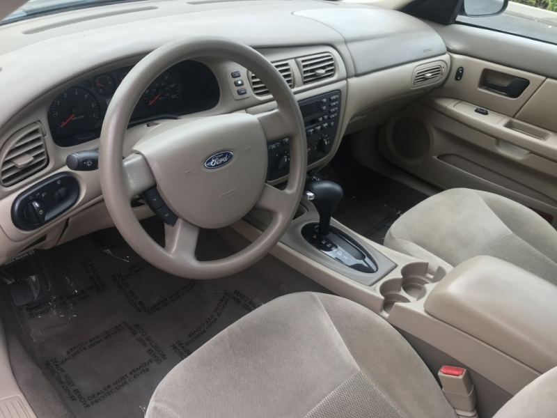 Ford Taurus 2006 price $3,000