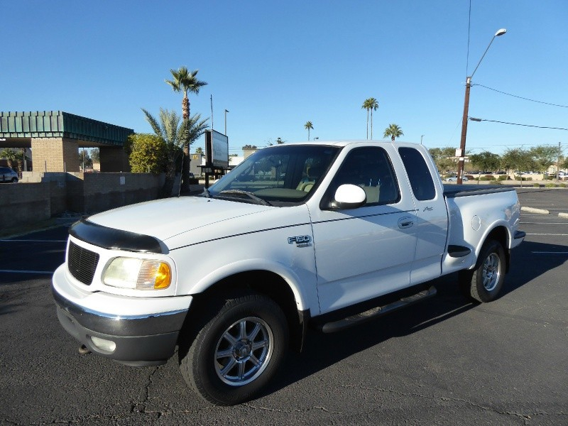 Ford F-150 2001 price $8,450