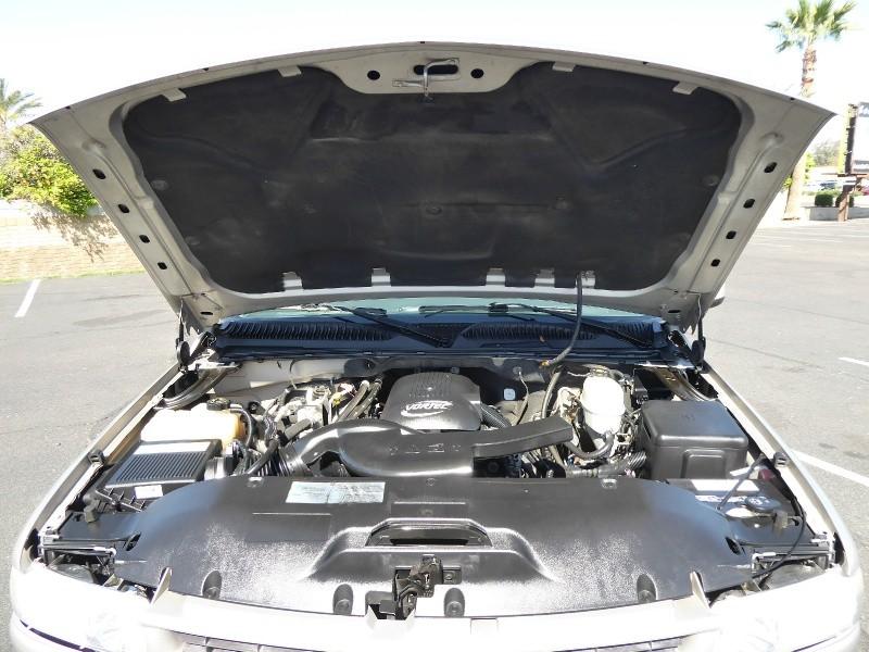 Chevrolet Suburban 2006 price $6,950