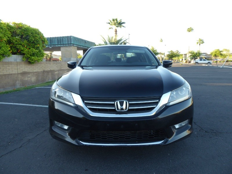 Honda Accord Sdn 2013 price $9,995