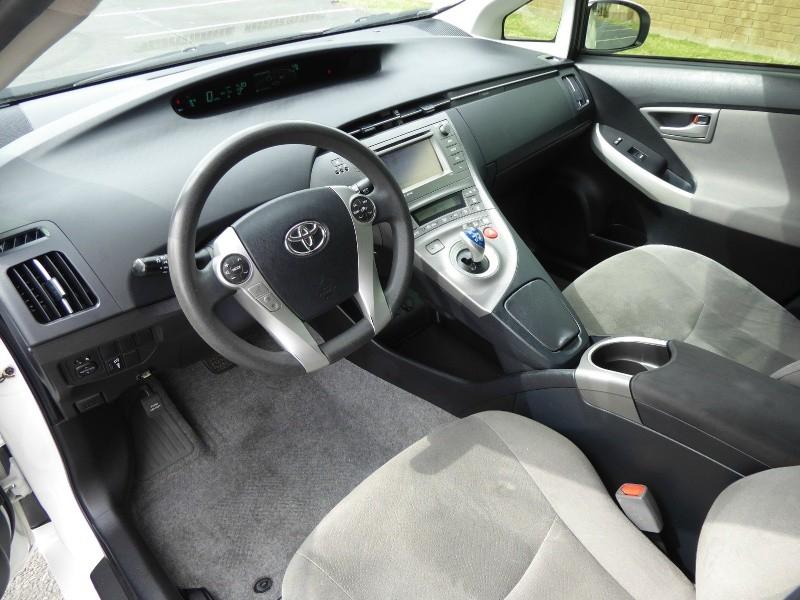 Toyota Prius 2015 price $10,995