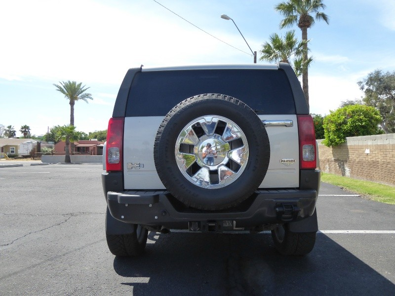 Hummer H3 2008 price $14,950