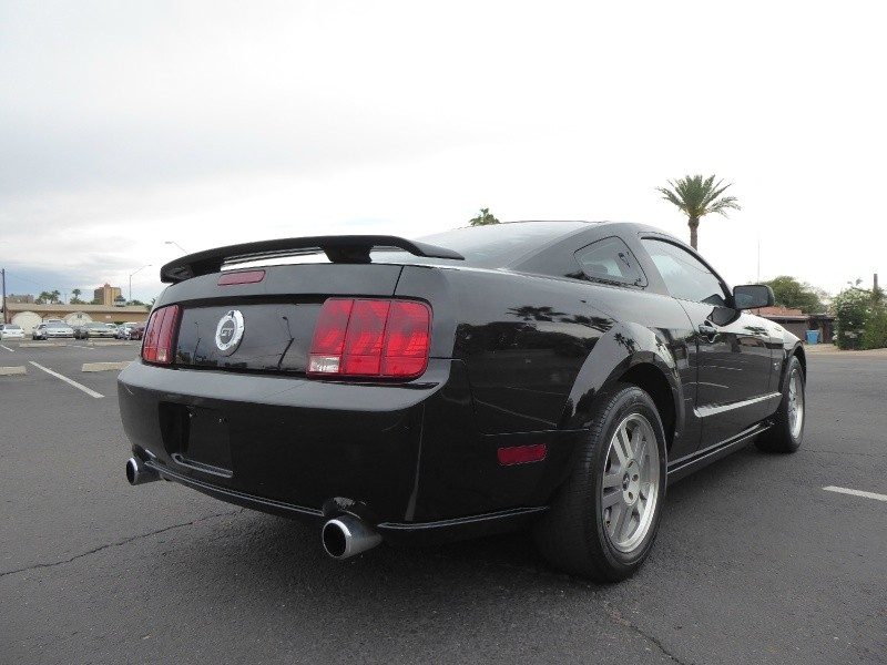 Ford Mustang 2006 price $6,950