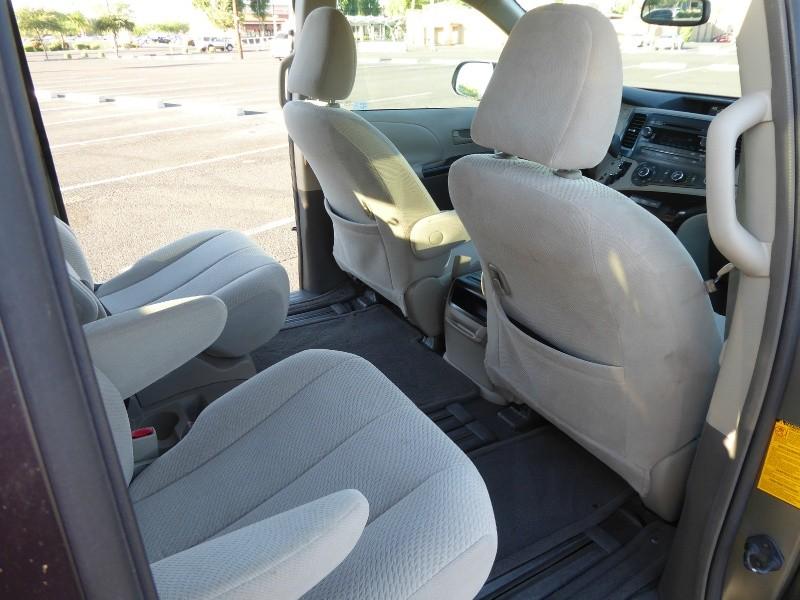 Toyota Sienna 2011 price $13,950