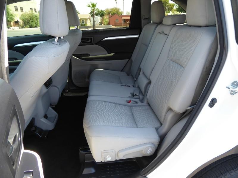 Toyota Highlander 2016 price $24,995