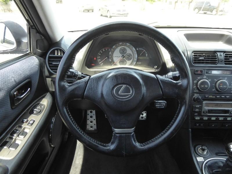 Lexus IS 300 2002 price $8,450