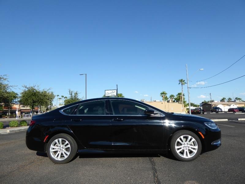 Chrysler 200 2016 price $10,950