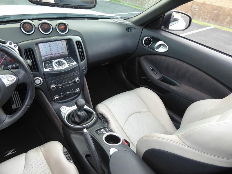 Nissan 370Z 2011 price $15,995