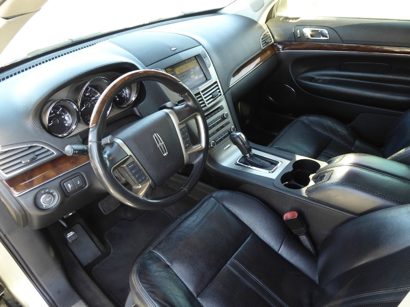 Lincoln MKT 2010 price $7,950