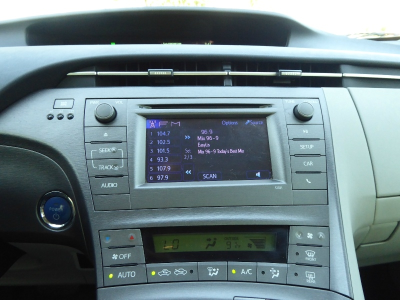 Toyota Prius 2013 price $9,950