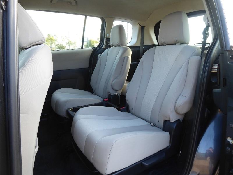 Mazda Mazda5 2013 price $7,450