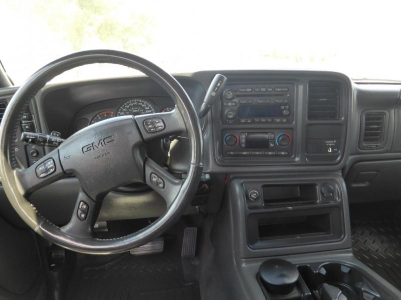 GMC Sierra 3500 2005 price $14,995