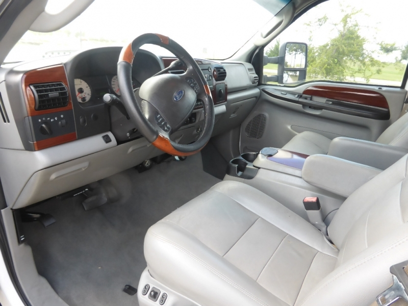 Ford Super Duty F-350 DRW 2006 price $15,995