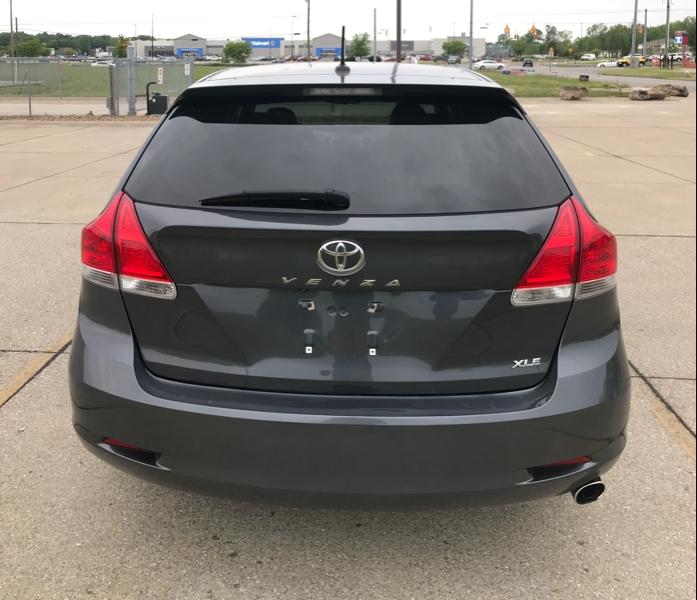 Toyota VENZA 2012 price $9,499