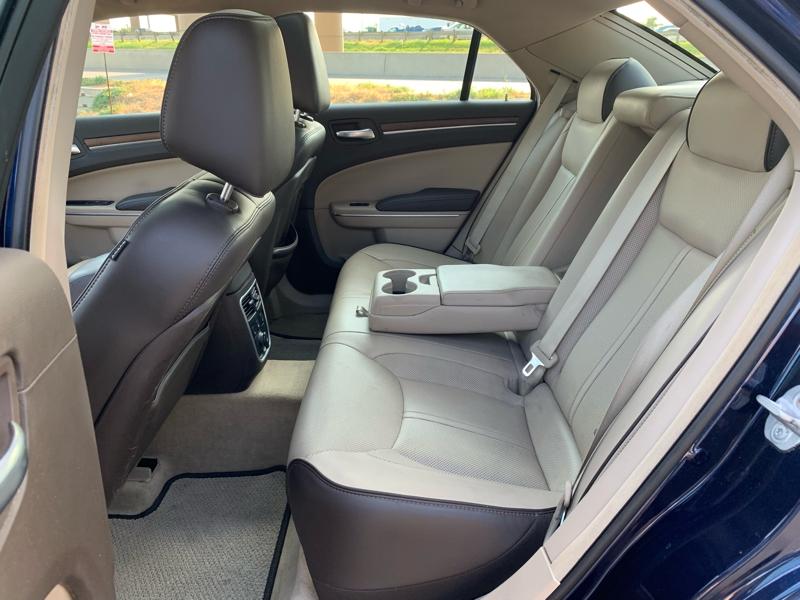 CHRYSLER 300C 2013 price $11,900