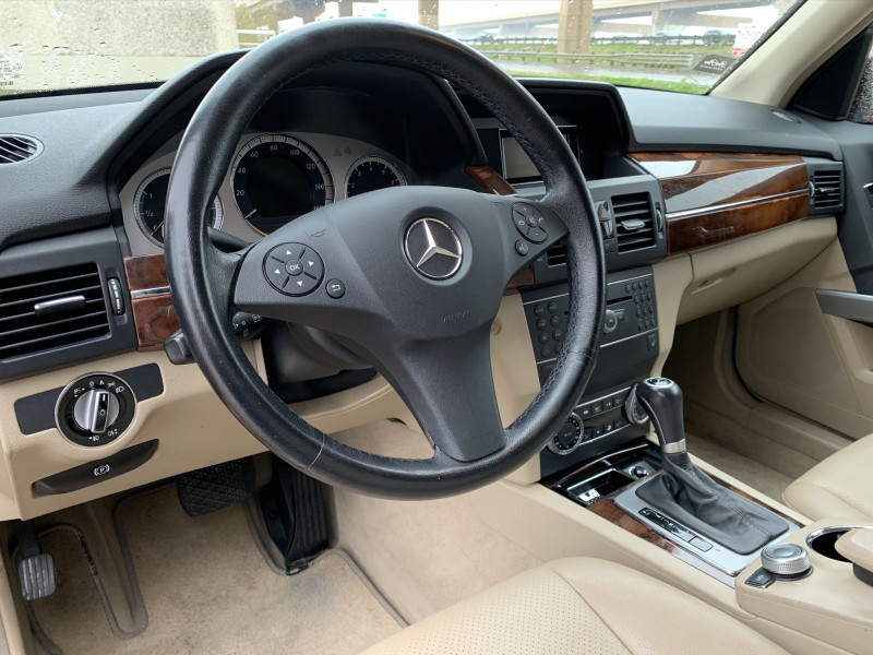 MERCEDES-BENZ GLK 2010 price $8,900